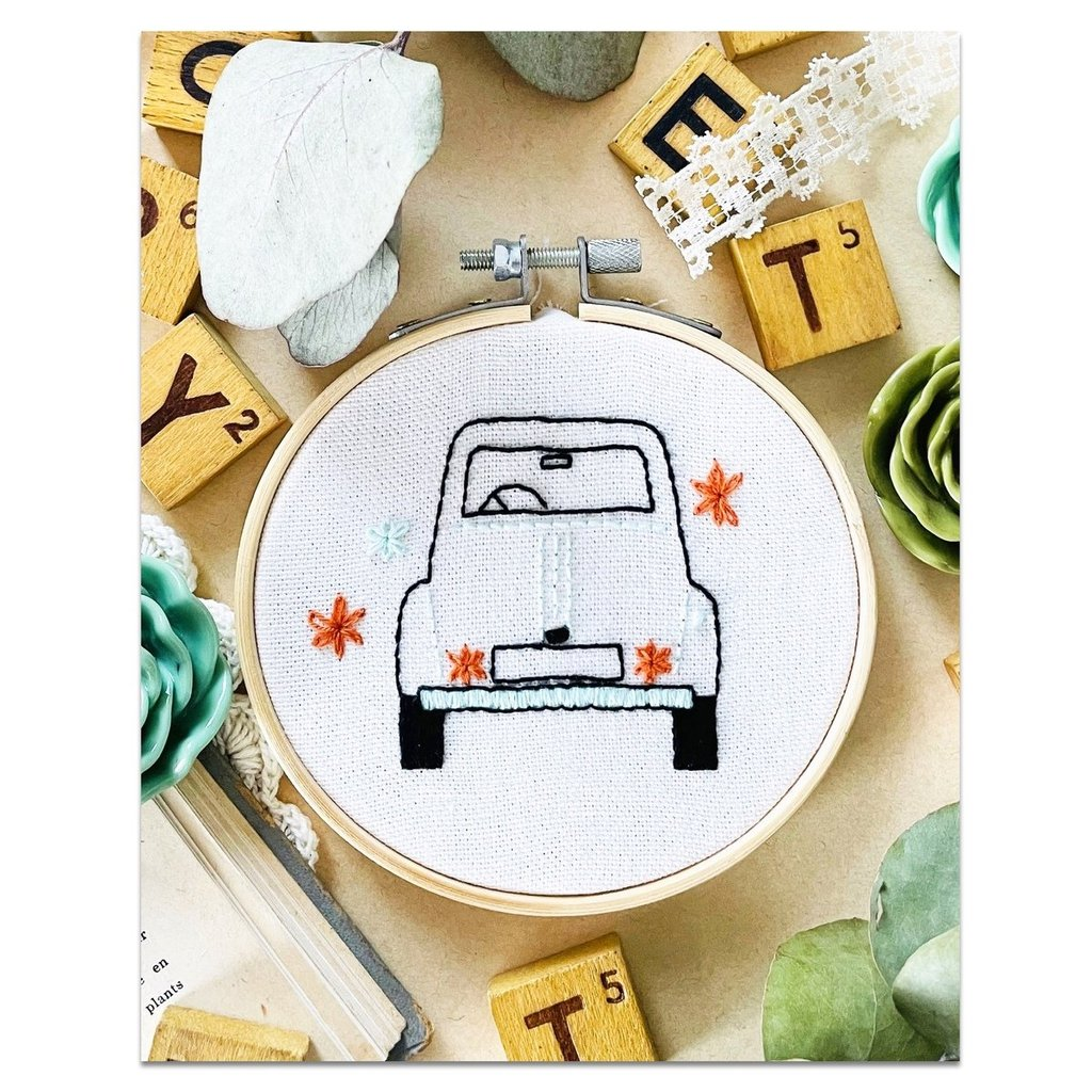 Broderie-2CV-french-kits-maison-paon